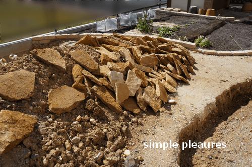 コッツウォールズストーン 積み方 花壇 作り方:石を並べる
