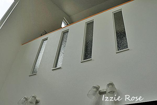 スリットにガラス板を入れるDIY 木枠を組む方法