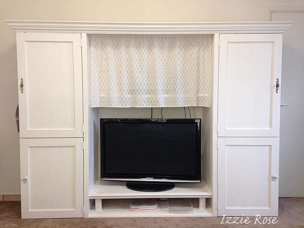 IKEAの本棚をリメイクしてフレンチ風TVボードをDIY