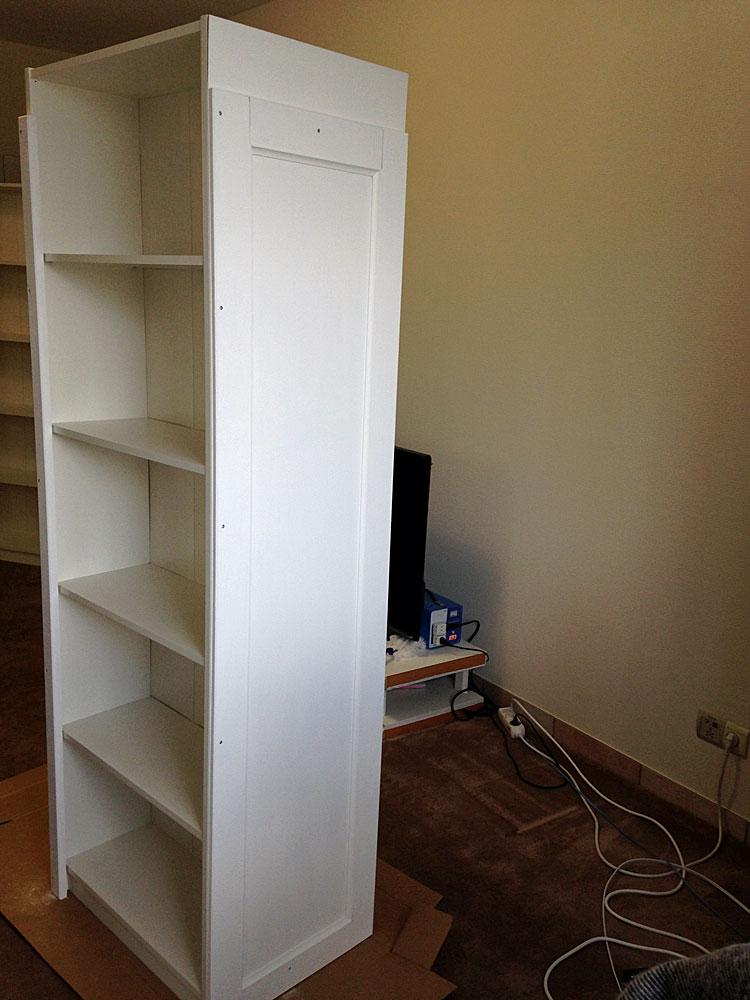 IKEAの本棚に装飾した板を取り付ける