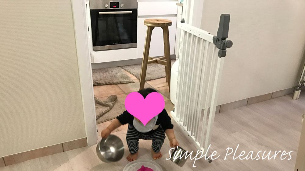子供のいたずら対策 キッチン ベビーゲート