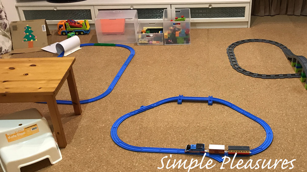 2歳 間がもつ室内遊び 電車レール プラレール デュプロトレイン